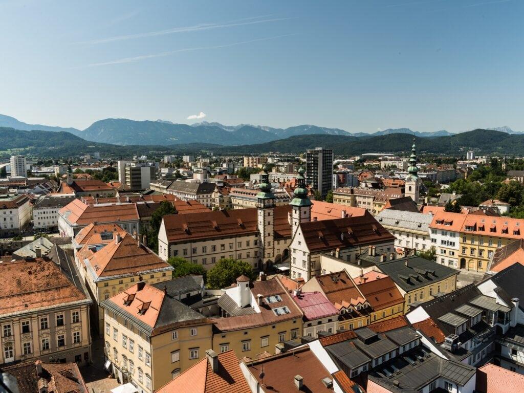 Klagenfurter Altstadt mit Stadtpfarrturm