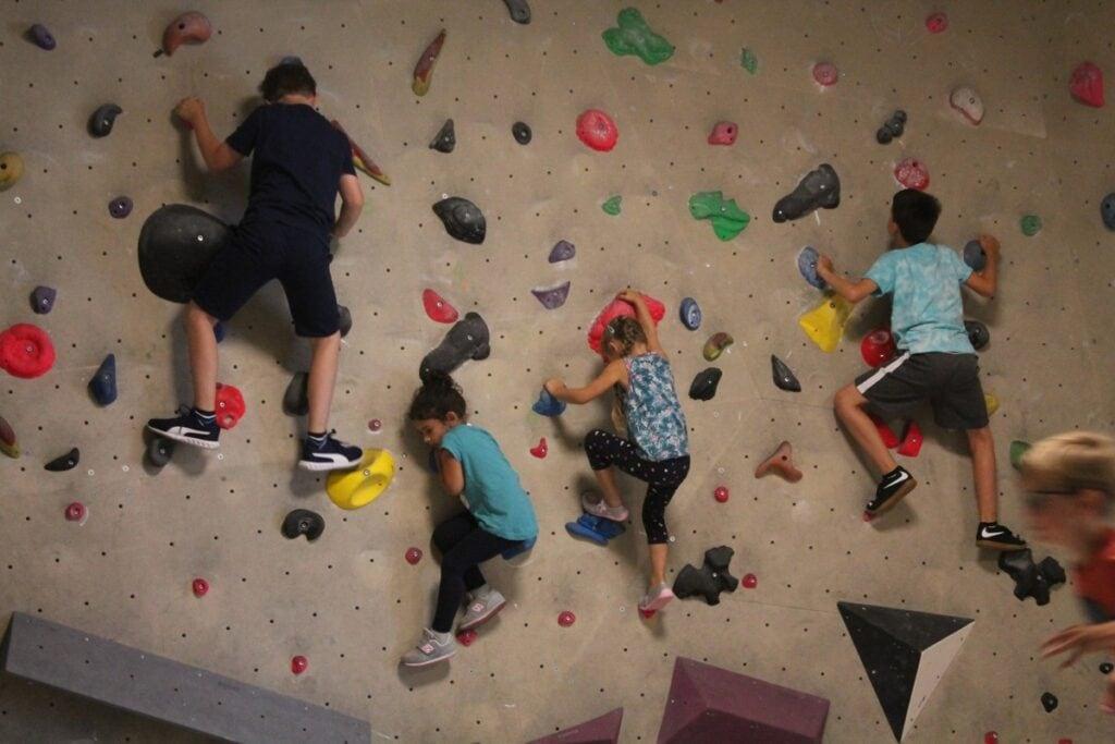 Boulderama, Klettern, Indoorsport, Kinderprogramm, Semesterferien, Familienprogramm