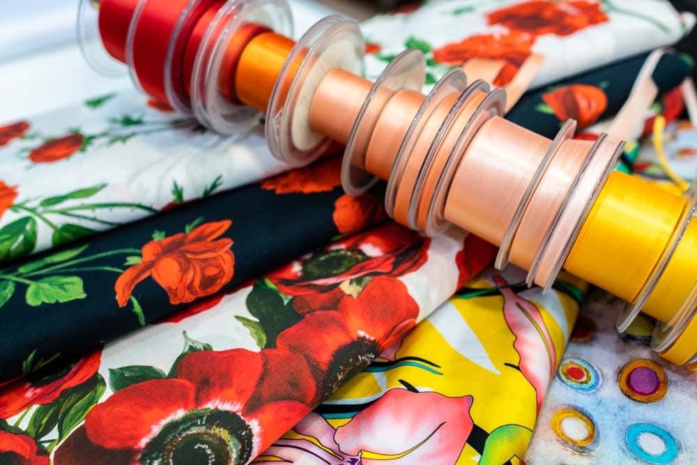 Mode- und Stylingtrends im Frühling und Sommer