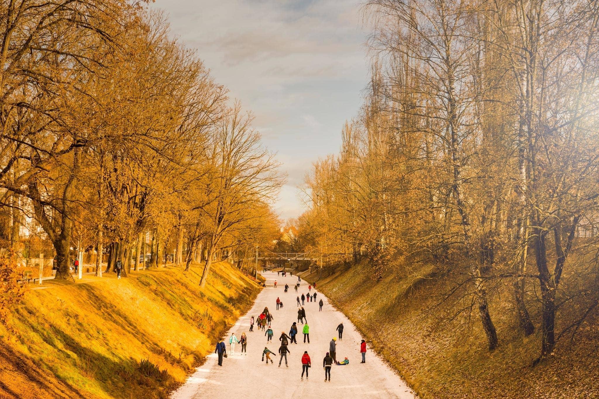 Eislaufen im Winter am Lendkanal