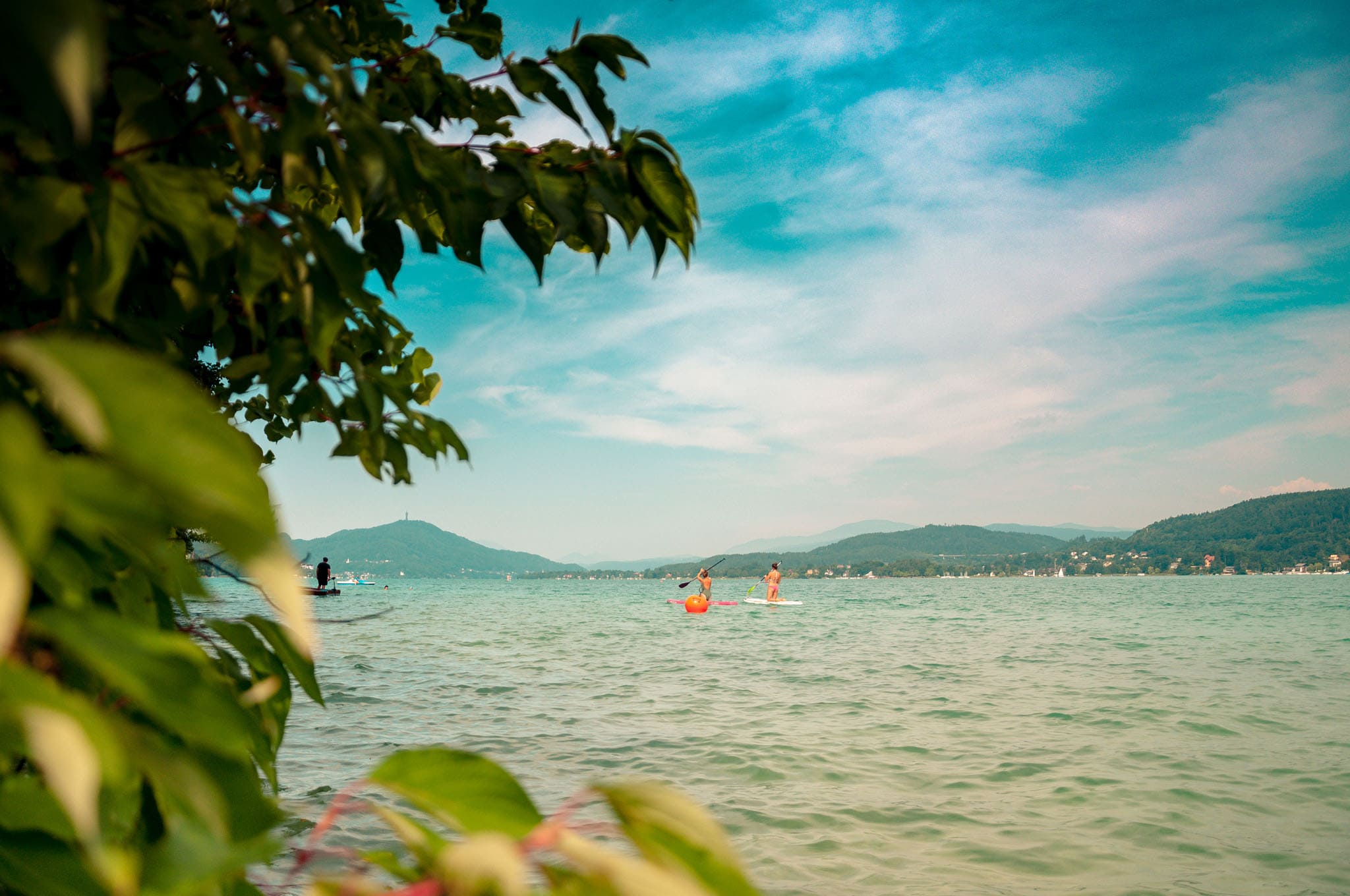 Stand-up-Paddle im Sommer am Wörthersee
