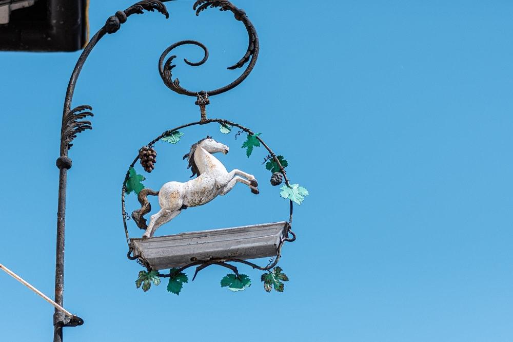 weißes Ross, Pferd, Rössl, Tiere in der Stadt, 9020 Klagenfurt am Wörthersee, Sehenswürdigkeiten
