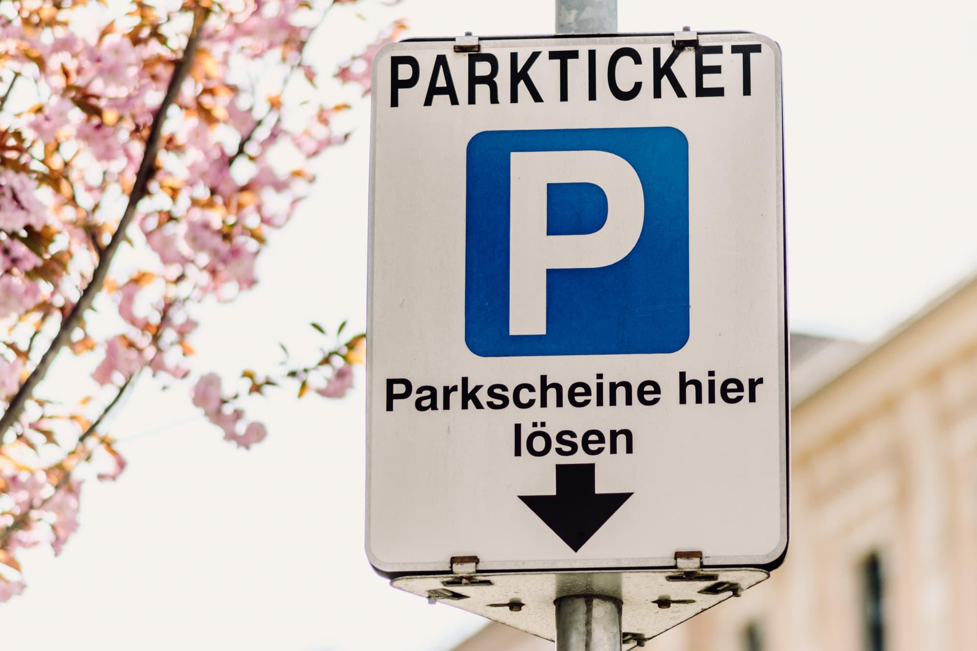 Parkticket, Parkschein, Hinweistafel, Parkscheine hier lösen, Parken in 9020 Klagenfurt am Wörthersee