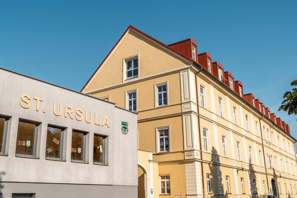 Das Vorläufergebäude des Ingeborg Bachmann-Gymnasiums in der Ursulinengasse