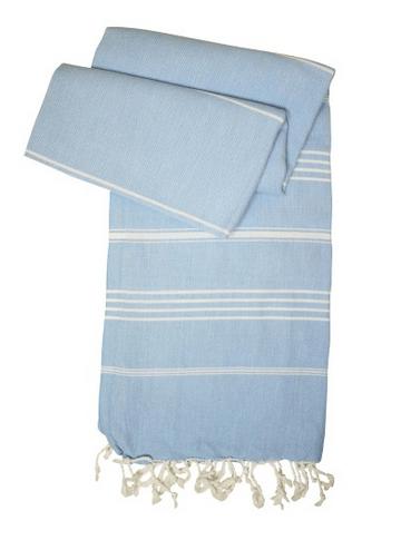 hellblaues Hamamtuch mit weißen Streifen und Fransen