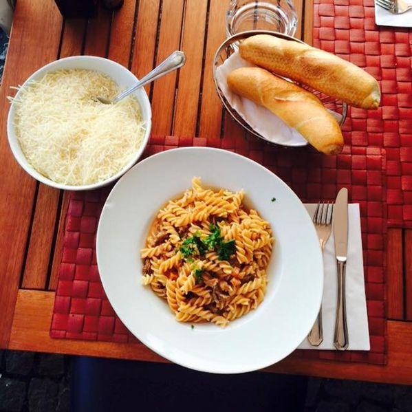die Spazialität des Hauses in der Osteria dal Conte in Klagenfut, Penne Biro, hier kann man klassisch italienisch essen, mittags und abends
