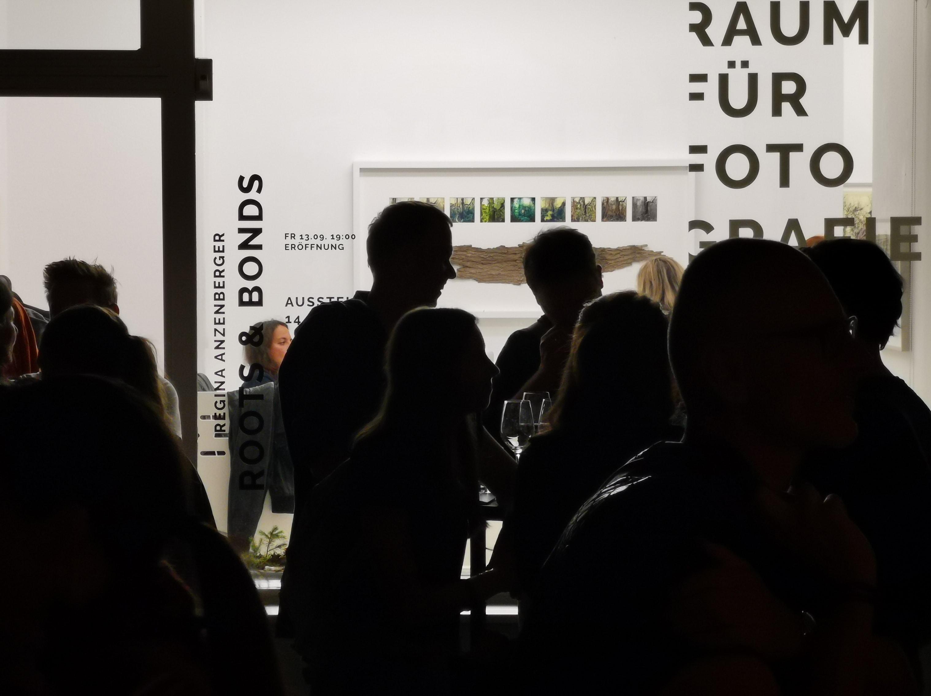 Raum für Fotografie - Eröffnung der Ausstellung roots&bonds 2019