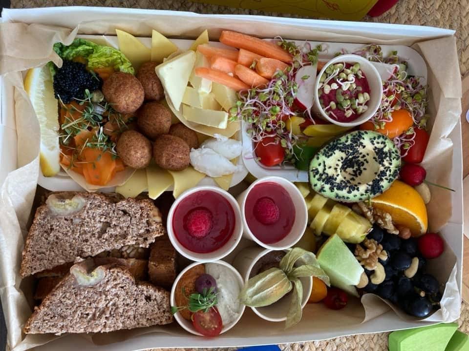 Vegane Brunchbox bei LaPared (c) Barbara Schmerlaib