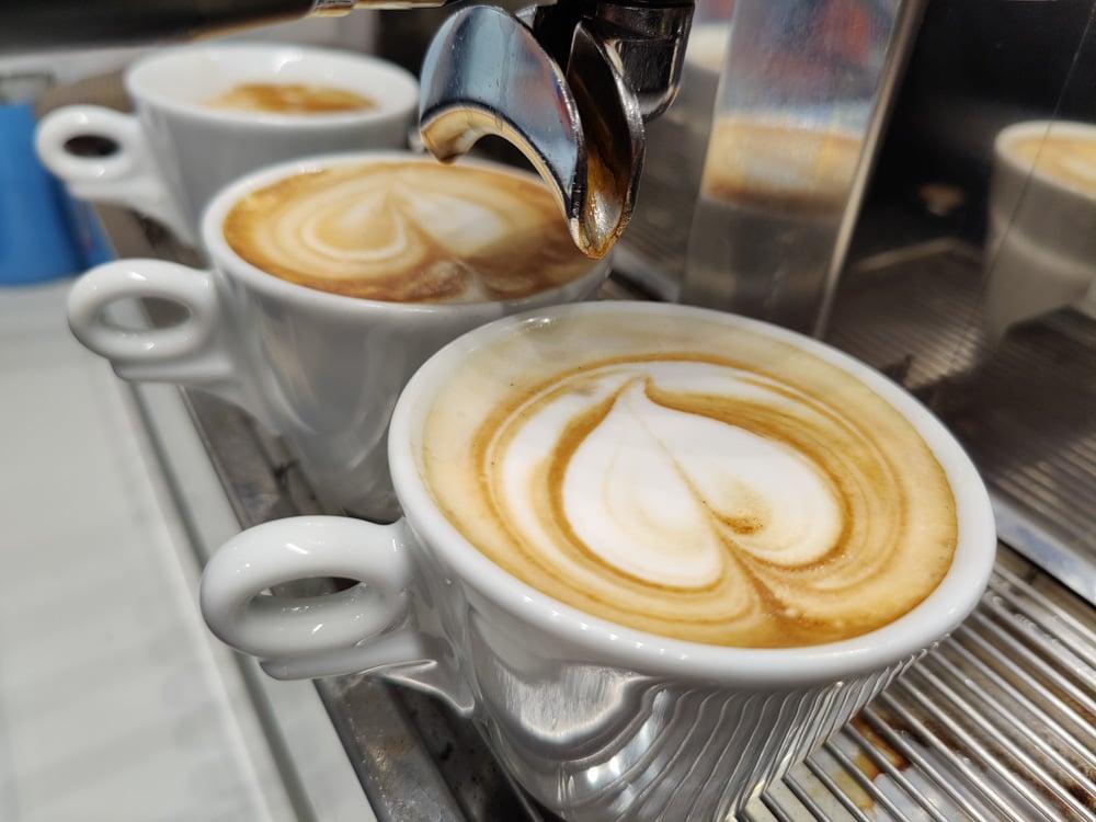 Frischer Barista Kaffee beim Tutti Frutti (c) Nicola Goriup